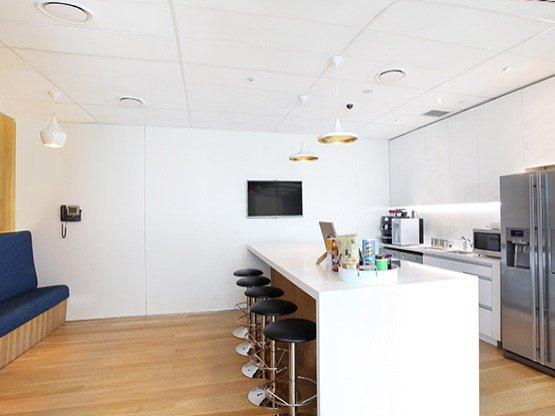 kitchen-555x416-pwctower-auckland.jpg